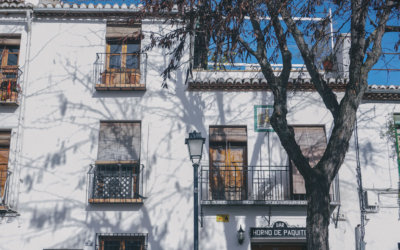 best-spanish-architecture-granada-oasis-backpackers-hostels